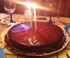 Bolo de Abóbora com cobertura de Chocolate.