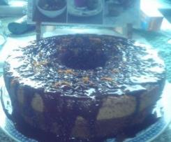 Bolo de chocolate com raspa de laranja