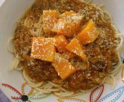 Abóbora com molho de tomate e amêndoa