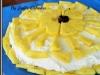 Pavlova com chantily de ananás