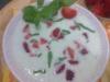 Sopa fria com pepino e morango